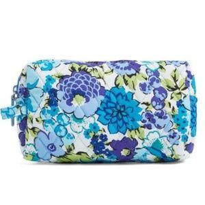 Vera Bradley Med Makeup Bag Blueberry Blooms NWT